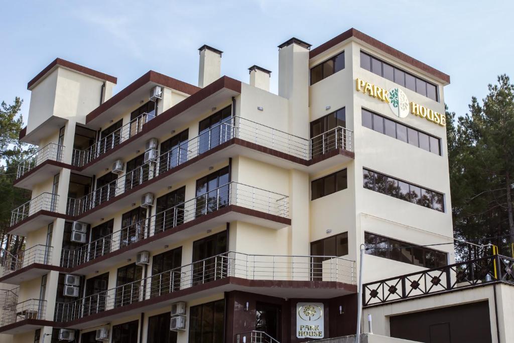 Отель PARK HOUSE, Дивноморское