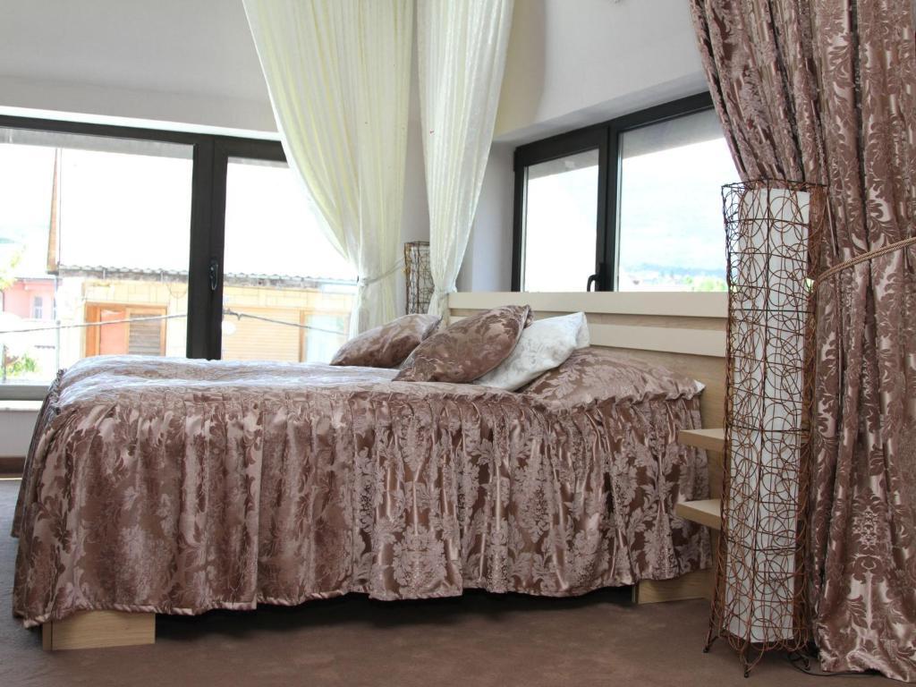 Irish Hotel, Бихач, Босния и Герцеговина