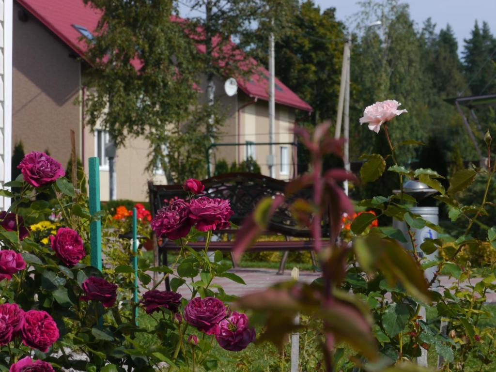 Мраморные розы Приозерск памятник на могилу Кисловодск