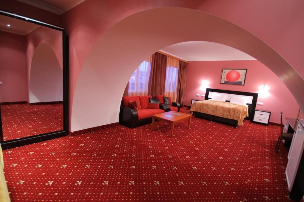 Отель Erebuni