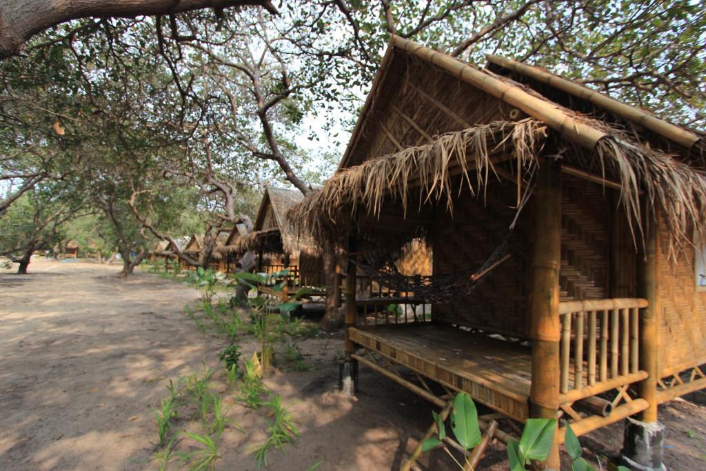 Гостевой дом Phayam Sport Bungalow, Ко Пхаям