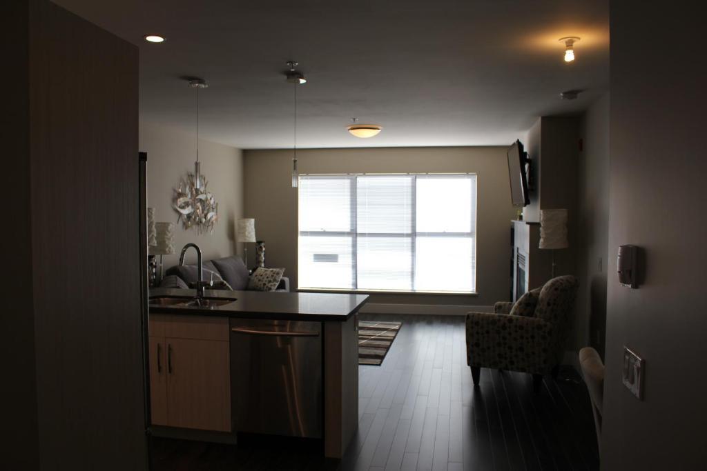 5家住宿  公寓 3家住宿  吉布森之路行政套房公寓,gibsons(加拿大)
