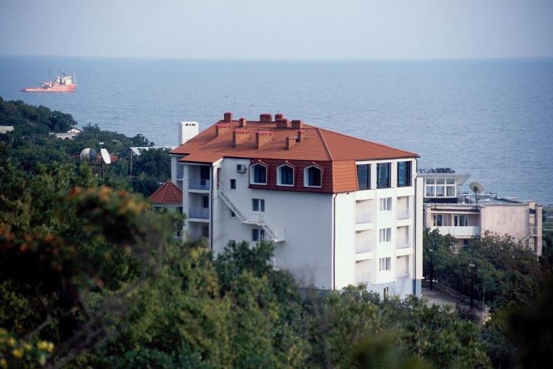 Отель Черномор, Широкая Балка