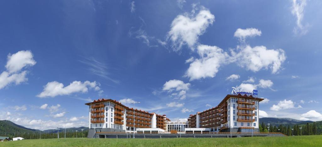 Курортный отель Radisson Blu Resort Bukovel, Буковель, Украина