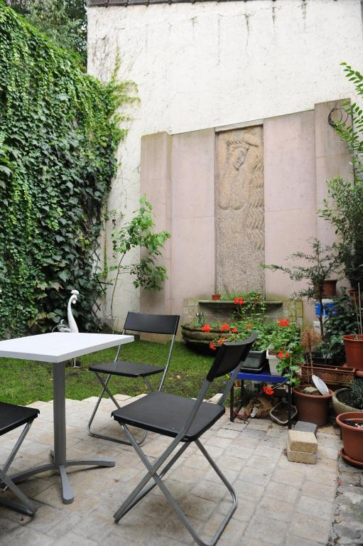 Paranjib Guesthouse
