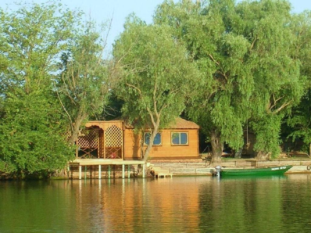 Загородный отель Усадьба Бороздиновская, Кировский
