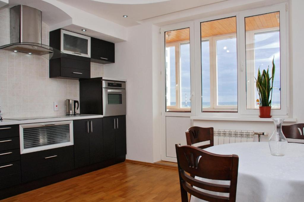 Kiev Pozniaky Apartment, Киев, Украина