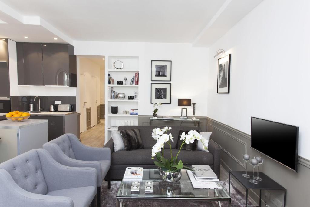 The Residence - Luxury 3 Bedroom Paris Center
