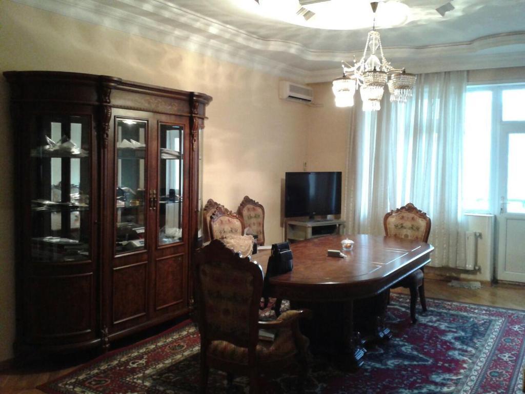 Апартаменты На Фуада Ибрагимбекова, Баку, Азербайджан