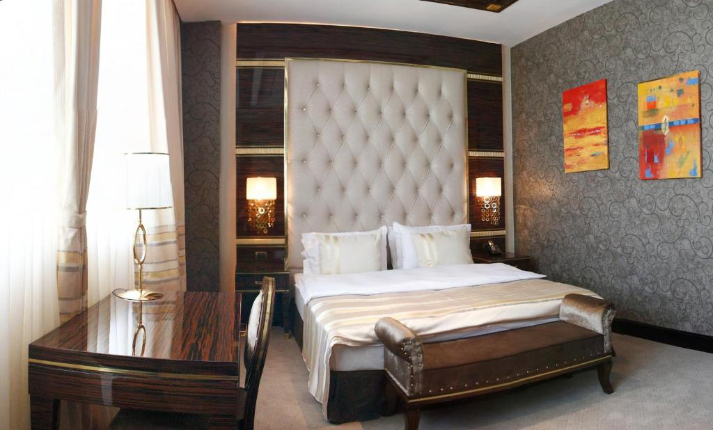Отель Sapphire