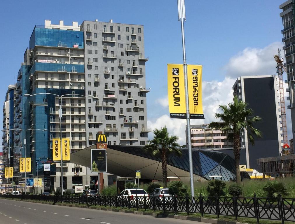 Апартаменты Batumi Centrum 3 Room City Side