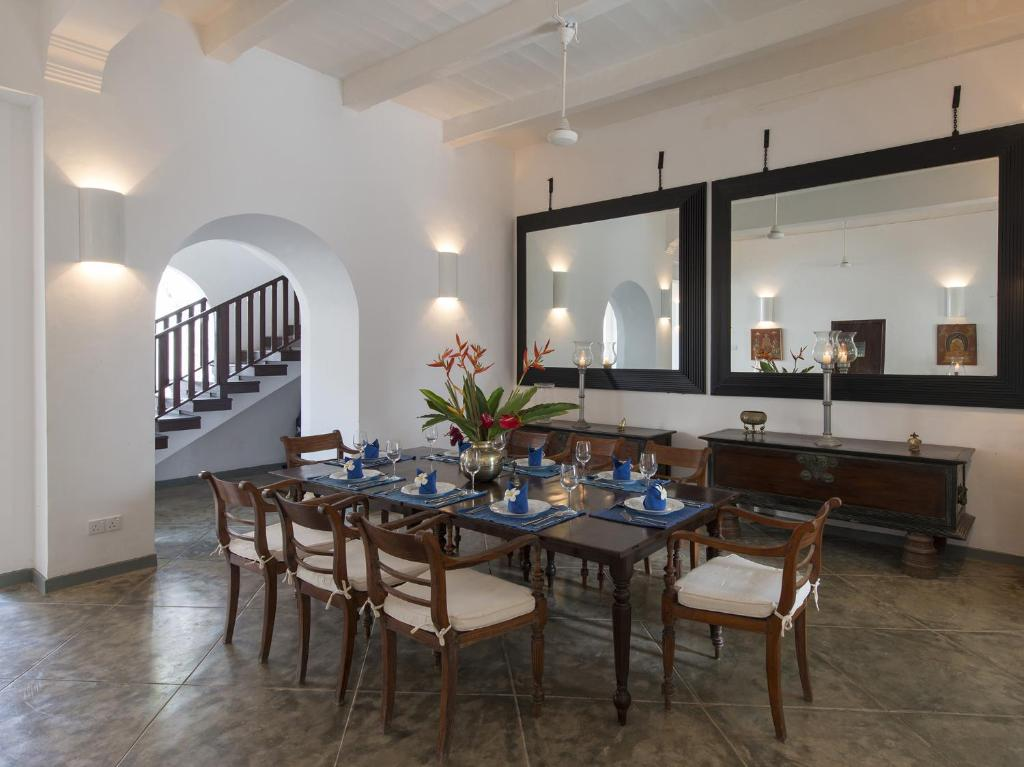Ambassador 39 s house an elite haven galle sri lanka for Dining room designs in sri lanka