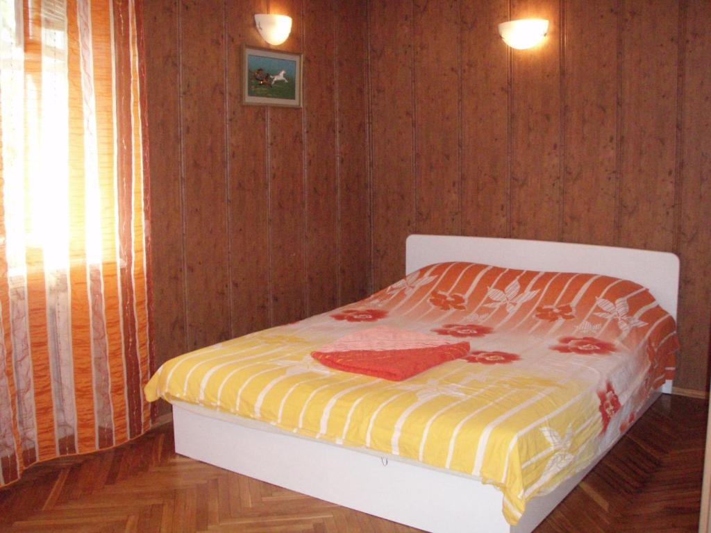 Apartment on Lesi Ukrainky Blvd 10A, Киев, Украина
