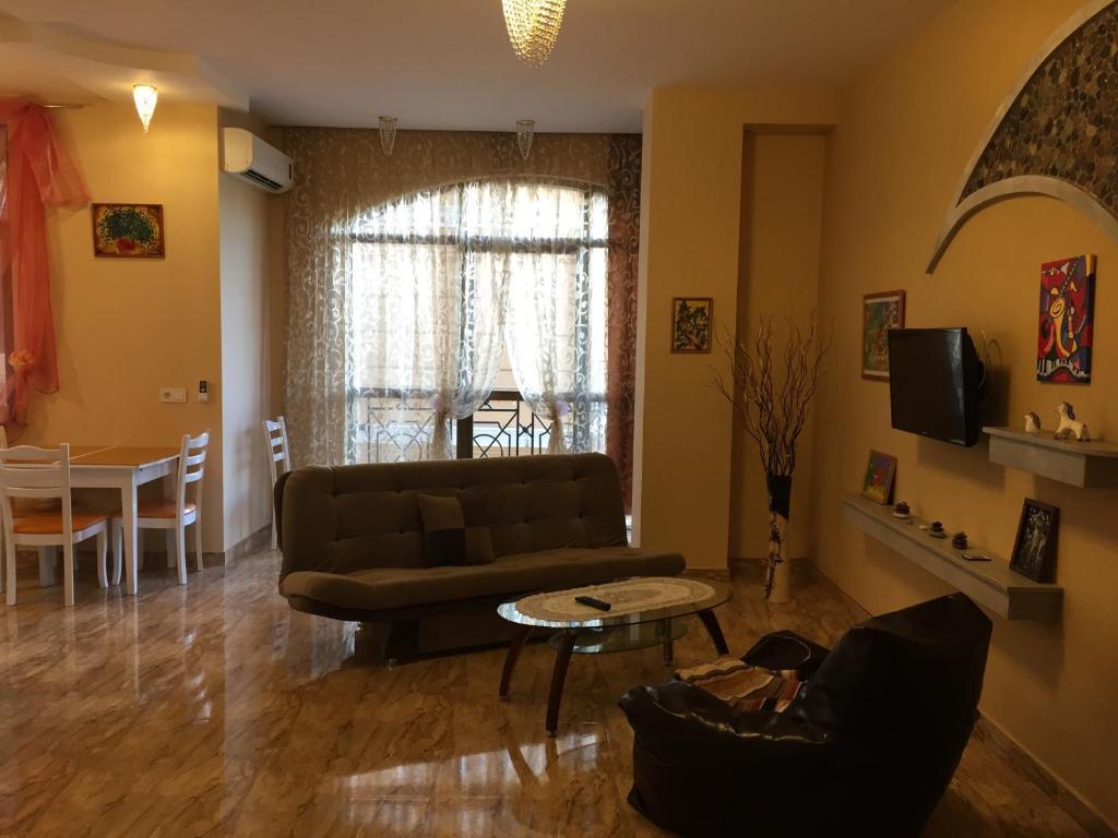 Апартаменты Дом Лицо