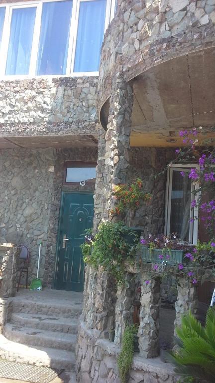 Семейный отель Chkonia