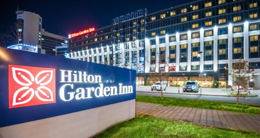 Отель Hilton Garden Inn Astana, Астана, Казахстан