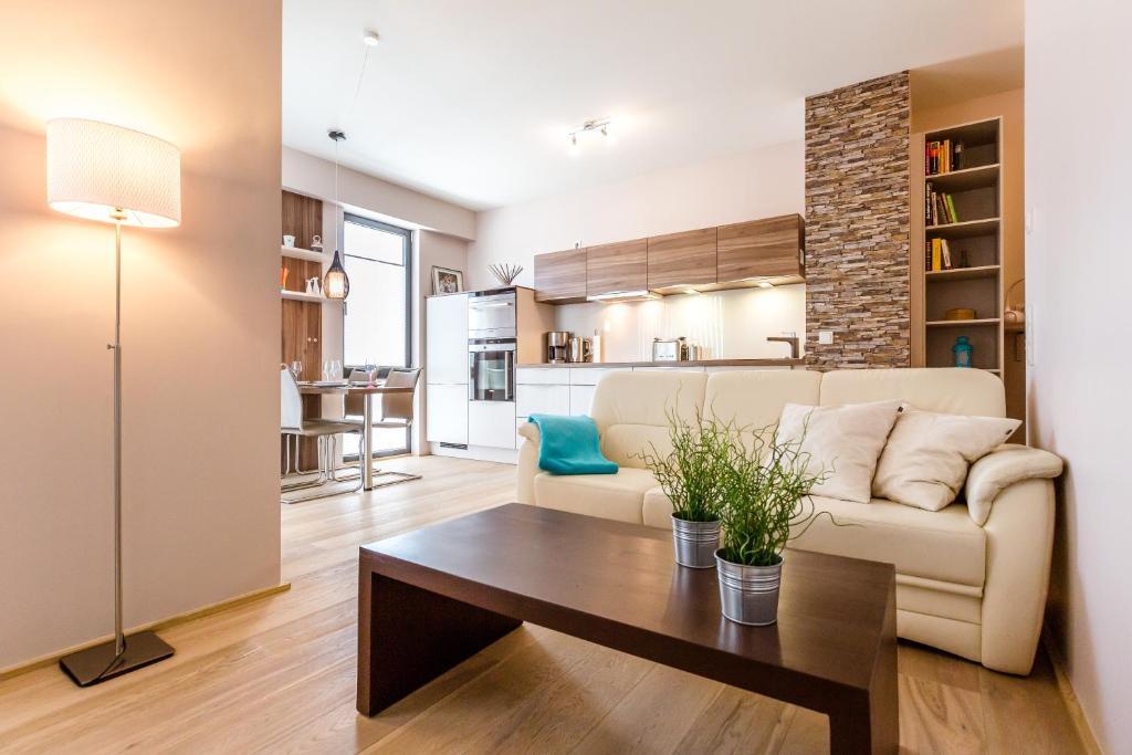 pandion d 39 or apartment deutschland d sseldorf. Black Bedroom Furniture Sets. Home Design Ideas