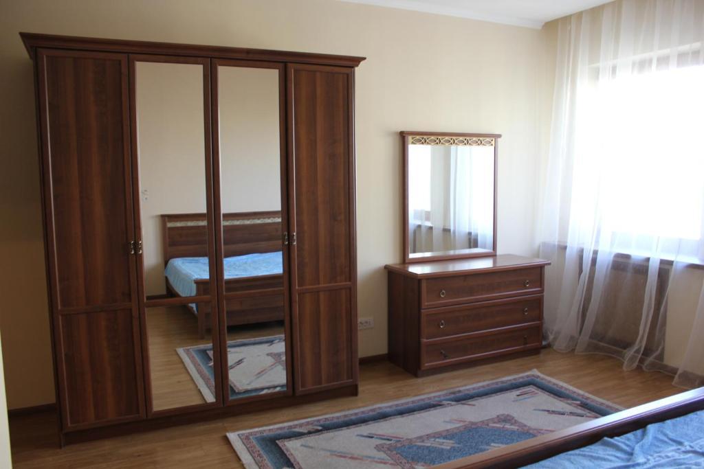 Апартаменты На Саптаева 30, Алматы, Казахстан
