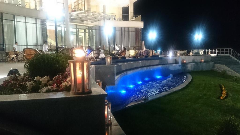 Отель Шеки Парк