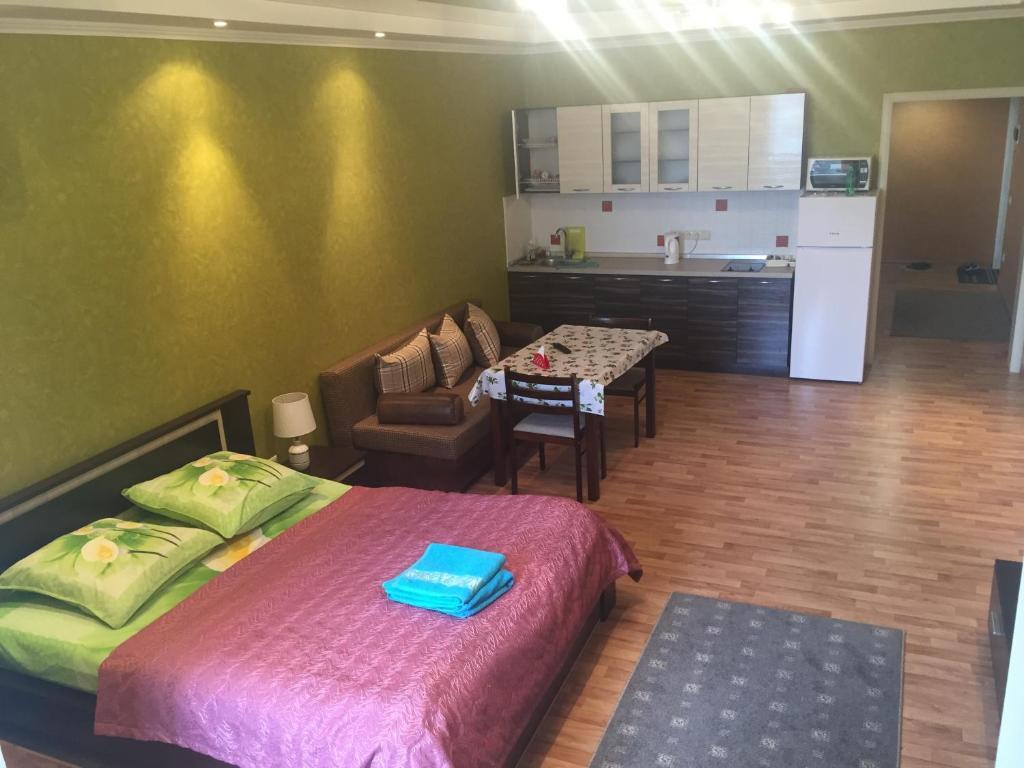 Апартаменты Золотой Квадрат, Алматы, Казахстан