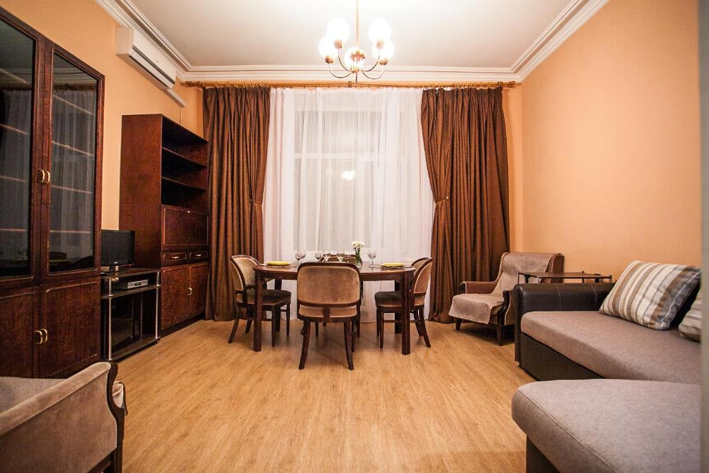 Apartment On Khreshchatyk 21, Киев, Украина