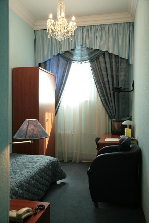 гостиницы москвы варшава