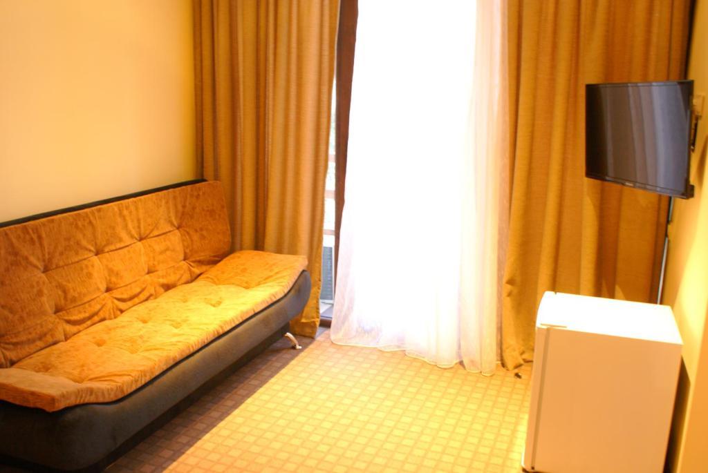 Отель Apolo