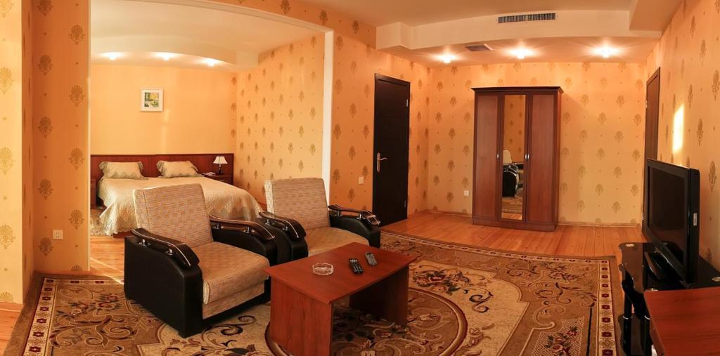 Отель AEF
