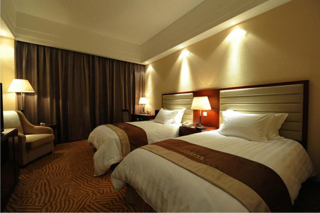 Intercontinental Shanghai Wonderland Is First Underground Quarry Hotel