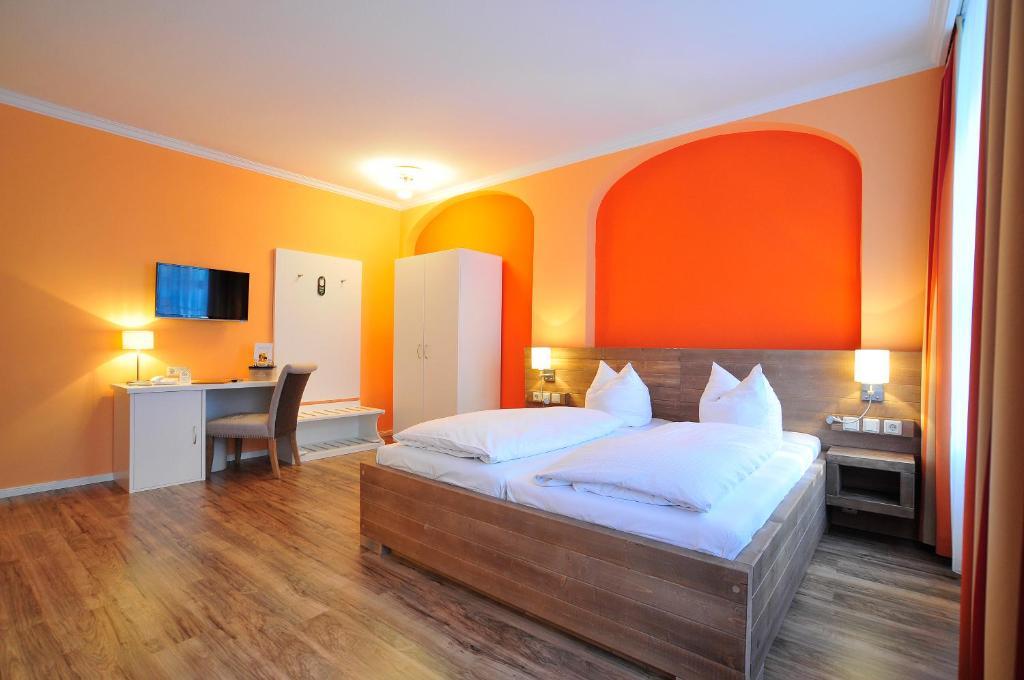 Больше всего отелей германии расположено в берлине: из  как вы видите, в германии найдется интересный отель как для любителей шикарного отдыха, так и для бекпекеров, жаждущих посетить как можно больше мест по разумной цене.
