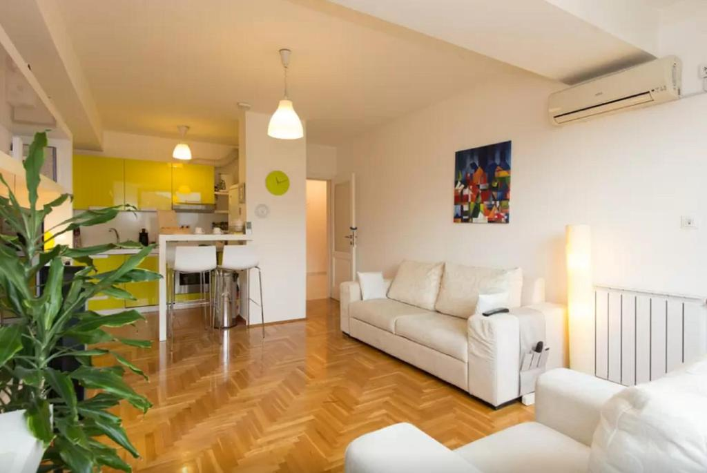 Modern Warm Apartment in Sarajevo, Сараево, Босния и Герцеговина