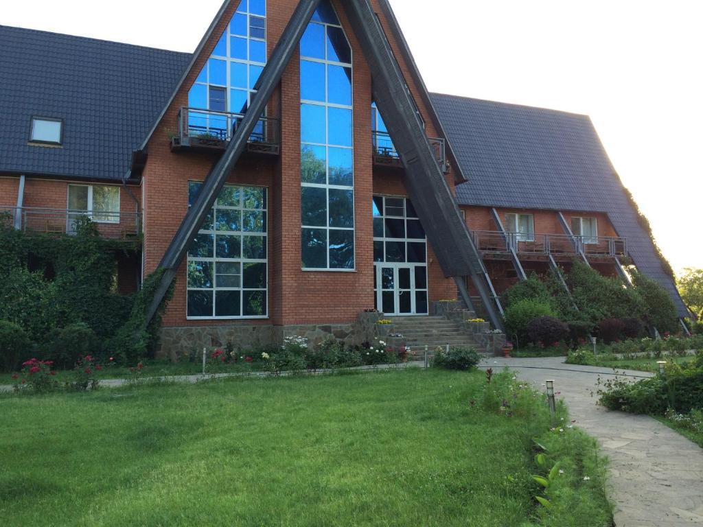 Отель River House, Кировский