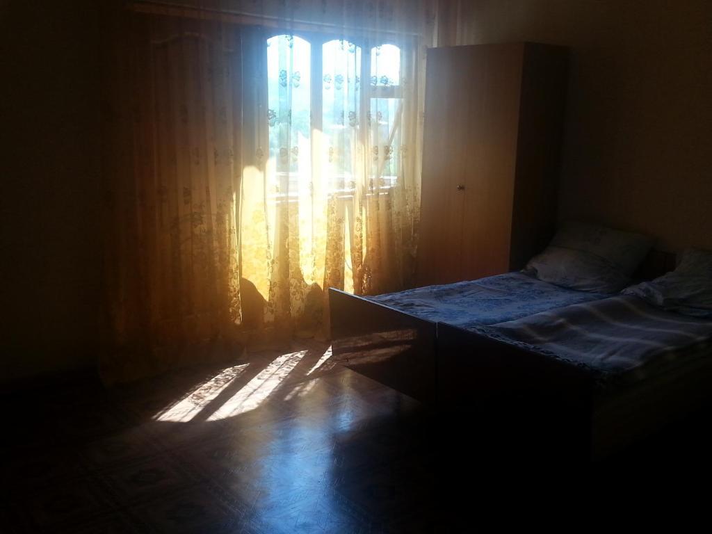 Апартаменты на Лакоба 14