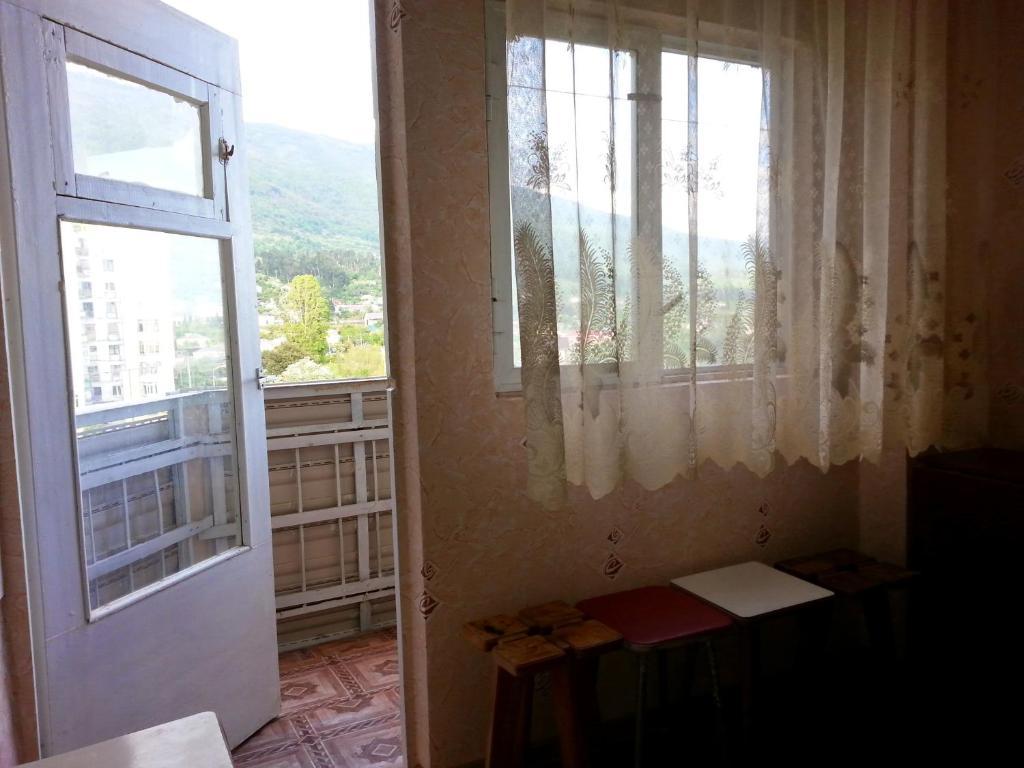 Апартаменты на Лакоба 14, Гагра, Абхазия