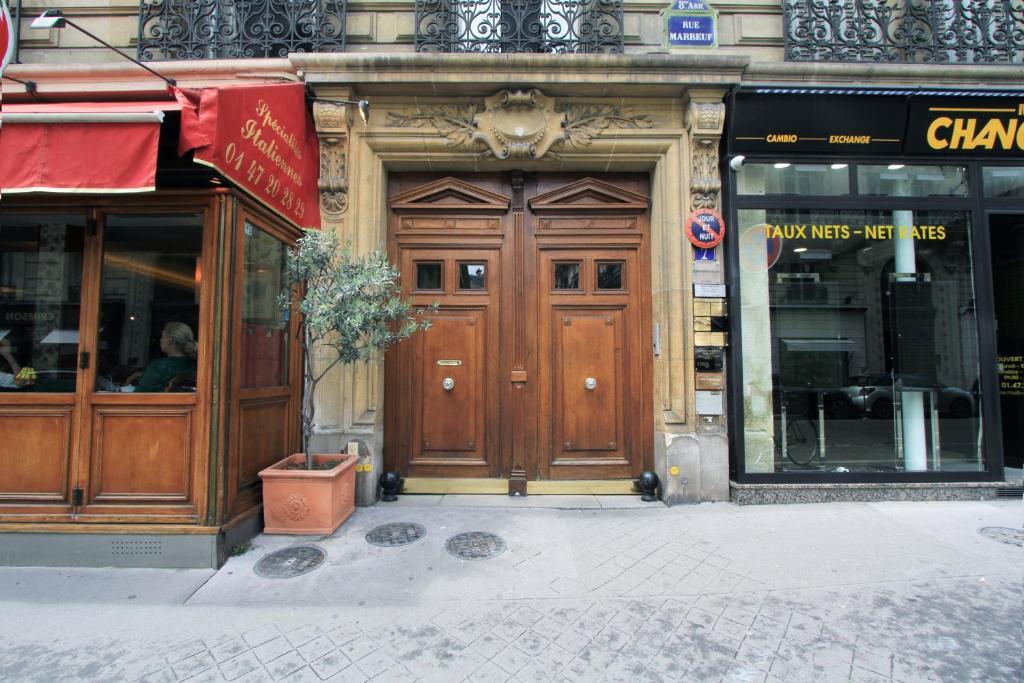 Apartment near Champs Elysées