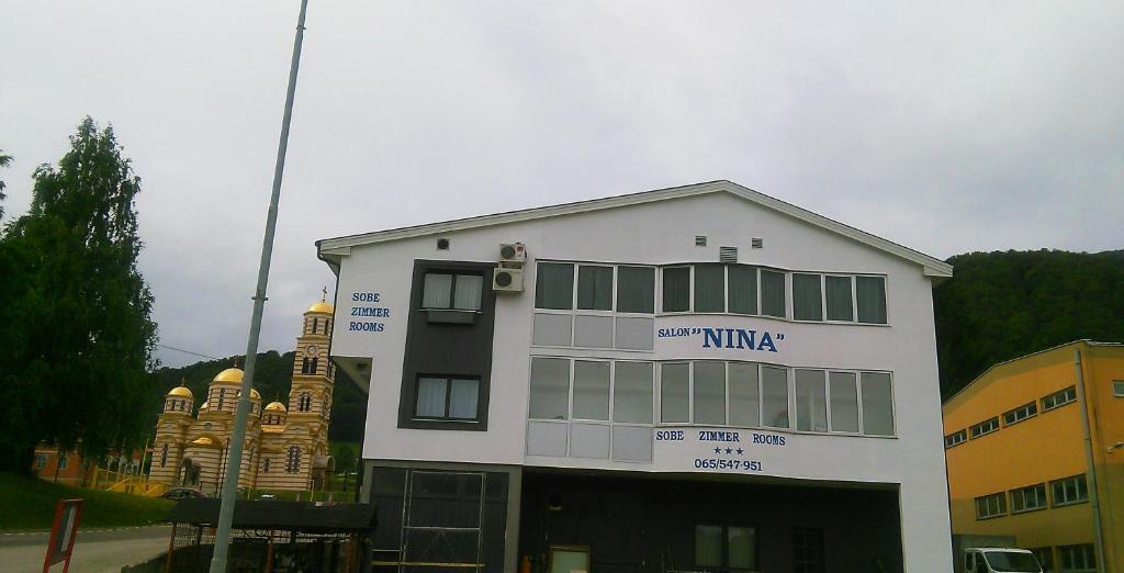 Salon Nina, Озеро, Босния и Герцеговина