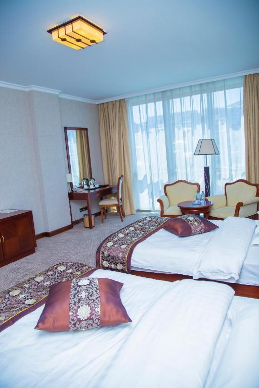 Курортный отель Golden Coast