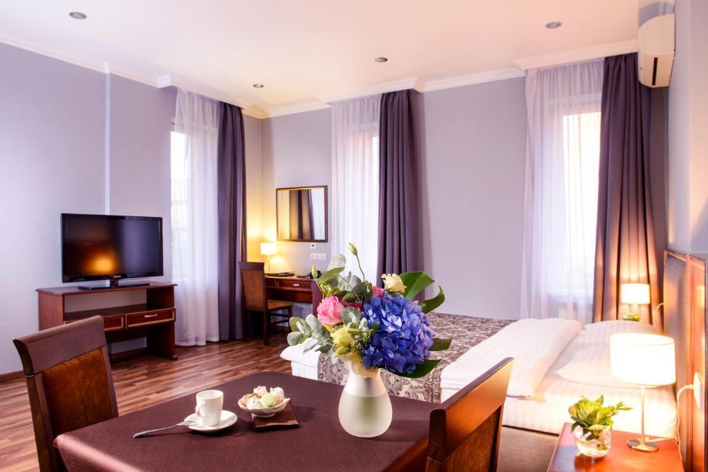 Отель Greguar Hotel & Apartments, Киев, Украина
