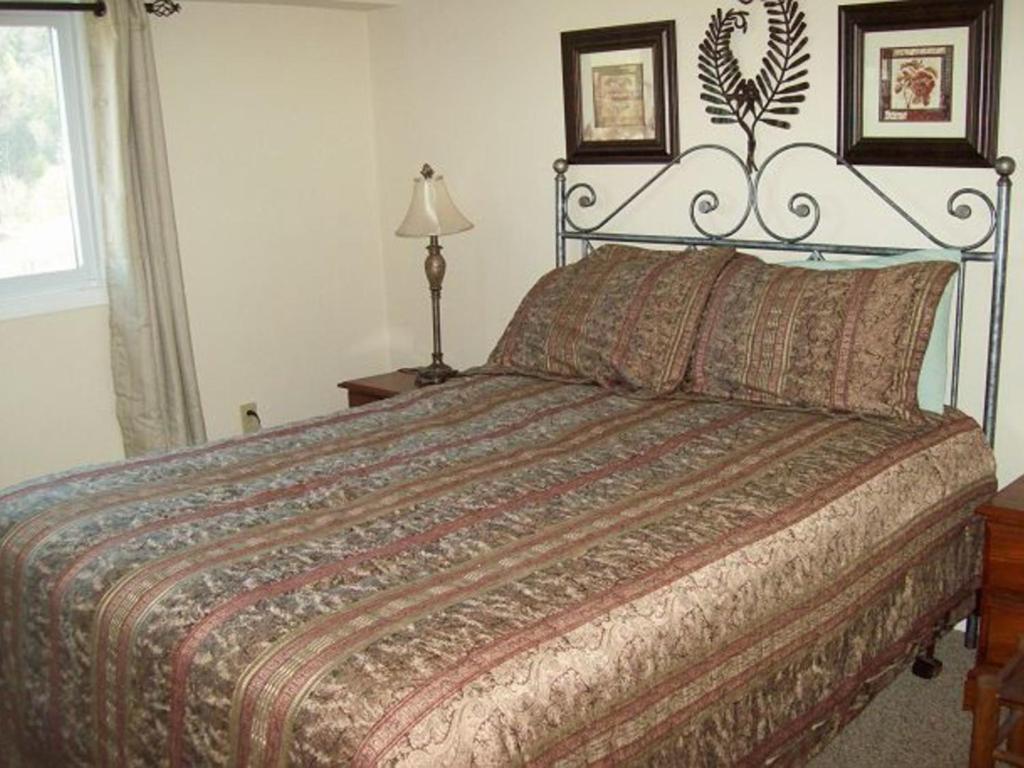 Two Bedroom Condo In Downtown Gatlinburg Unit 712 Book