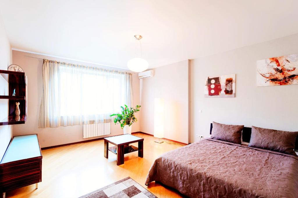 RentOrg Apartment on Lvovskaya, Киев, Украина