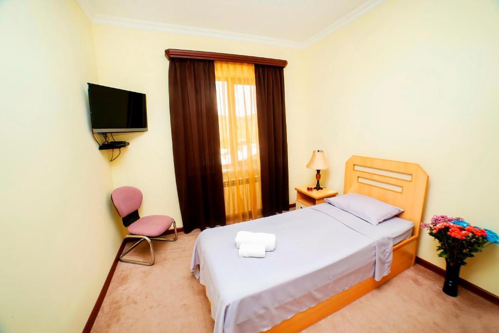 Отель Амротс