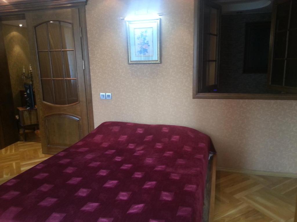 Апартаменты На Хана Шушинского