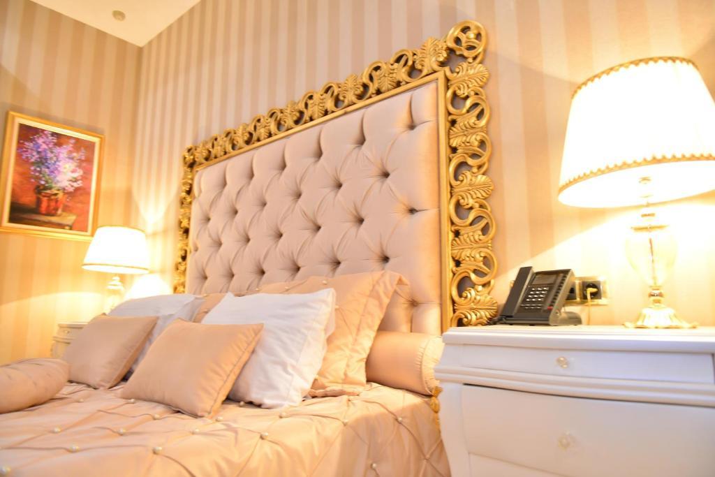 Отель Lake Palace Baku