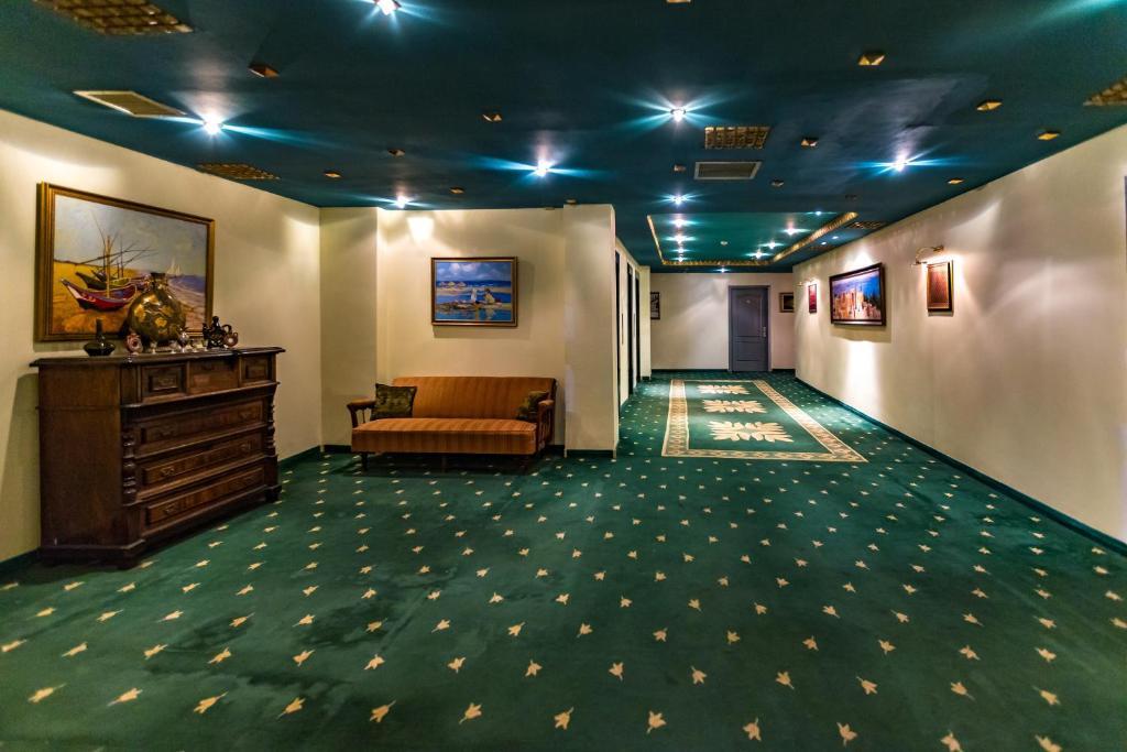 Отель Caspian Palace
