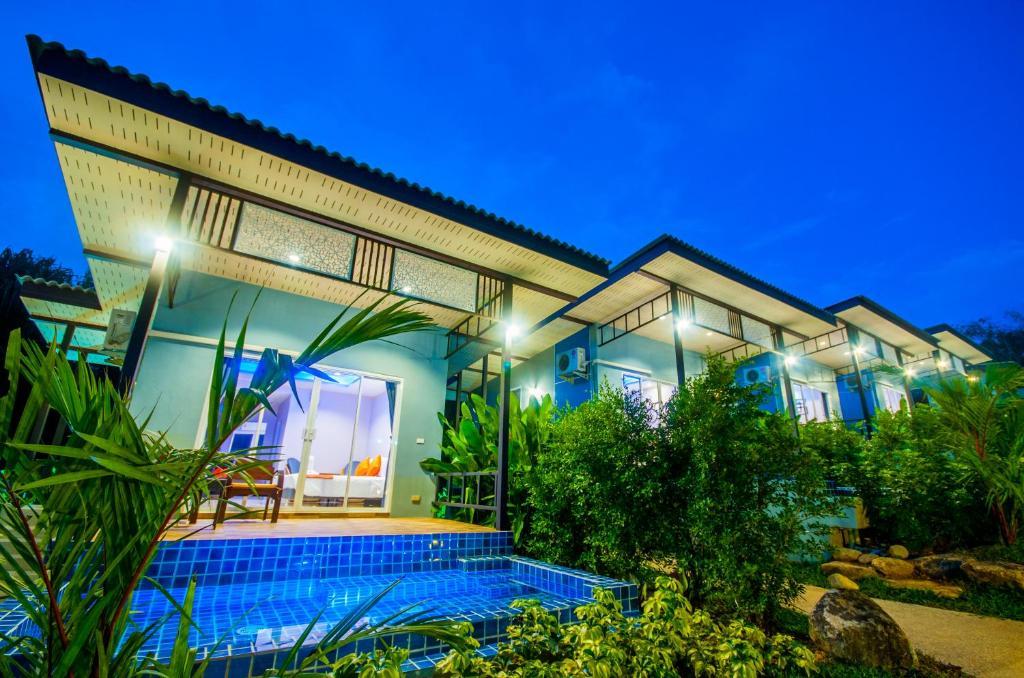 Курортный отель Chomphu Resort, Кхаулак