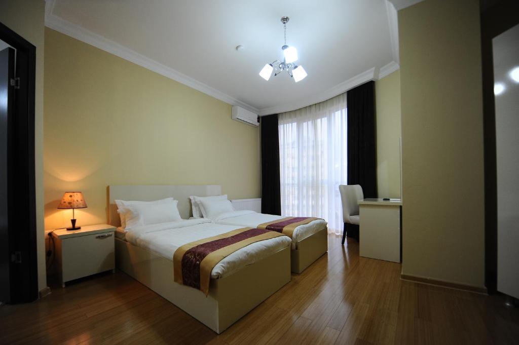Отель Aisi