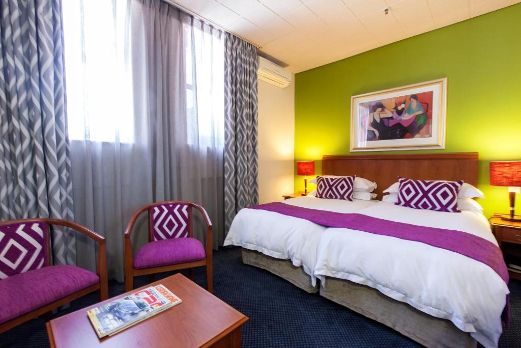 .... Cape Town Lodge Hotel 85096829.jpg