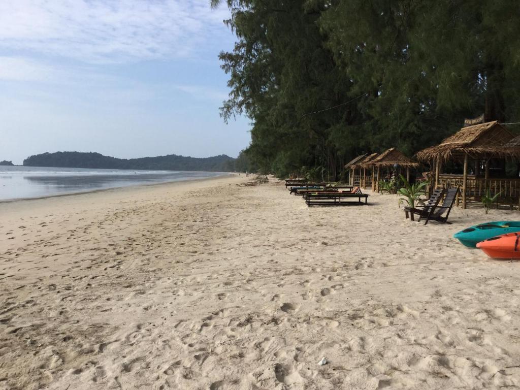 Курортный отель Aow Yai Bungalows, Ко Пхаям