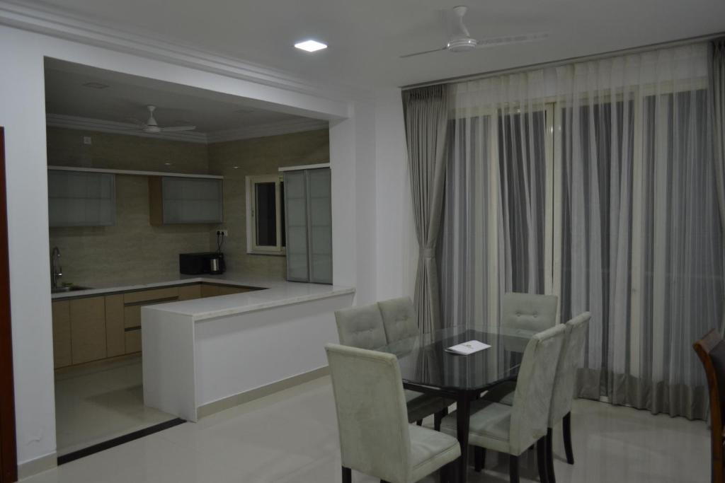 4 seasons serviced apartment hyderabad c p nh t gi n m for Interior designs for apartments in hyderabad