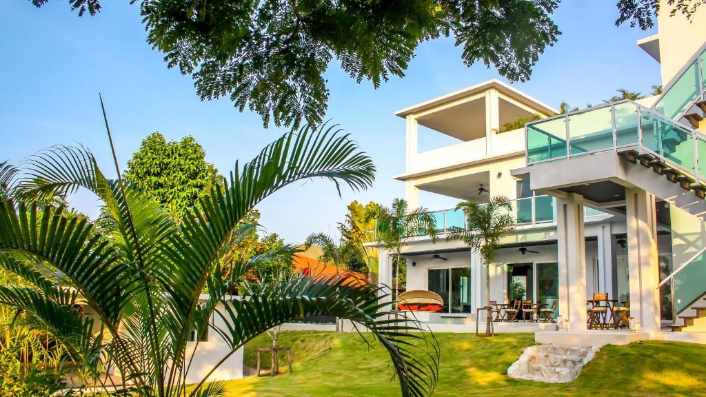 Greenview Villa Phoenix Golf Club Pattaya